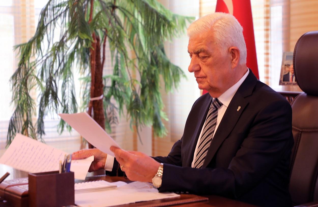 Batmanlı misafirlerden, Başkan Osman Gürün'ü duygulandırılan mektuplar