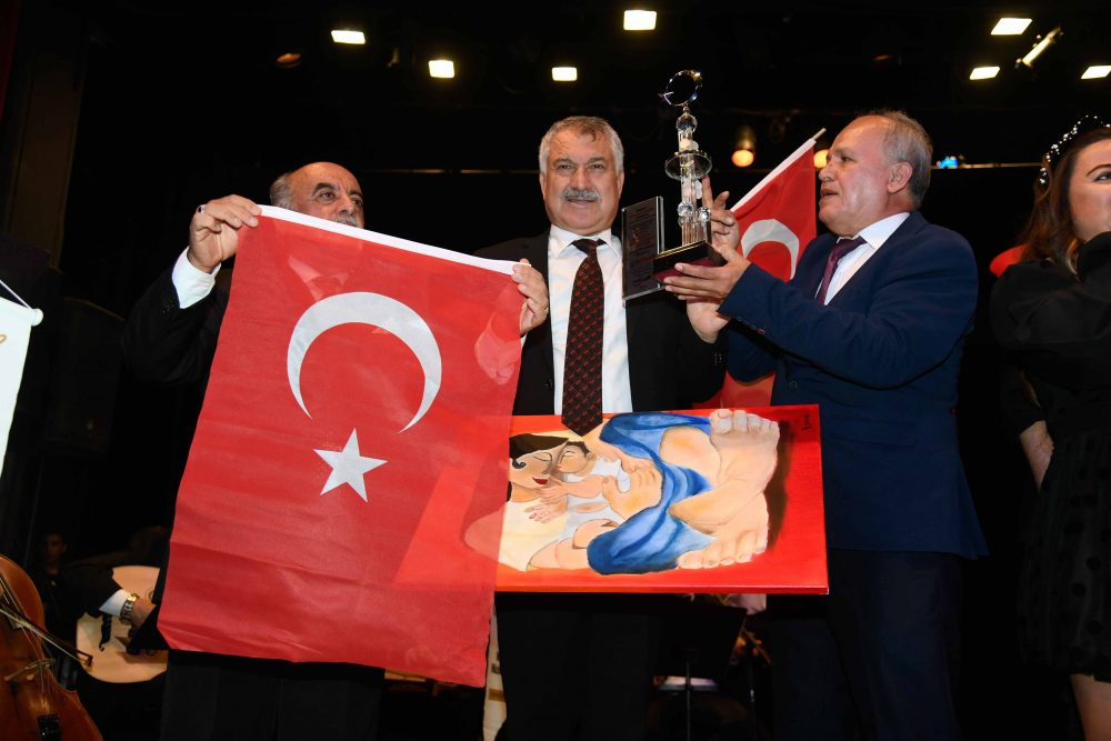 Büyük Önder Atatürk bu yıl Adana'da daha coşkulu anıldı