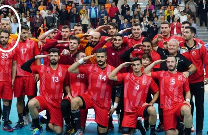Yunanistan'da milli oyuncuya 'asker selamı' cezası