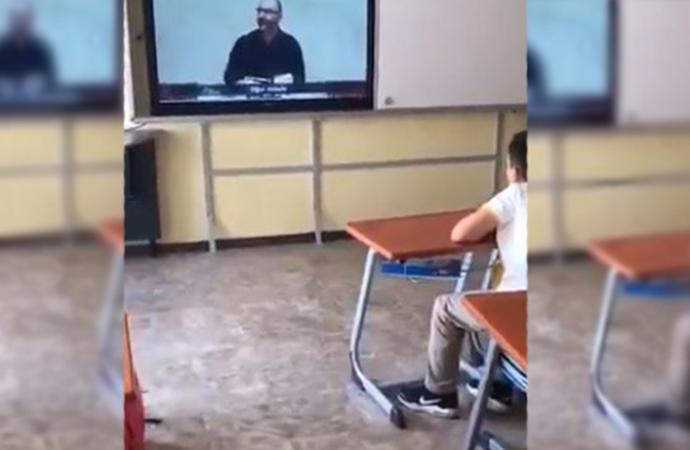 Okulda dersi müfredatını bırakıp, Said Nursi propagandası izlettiler