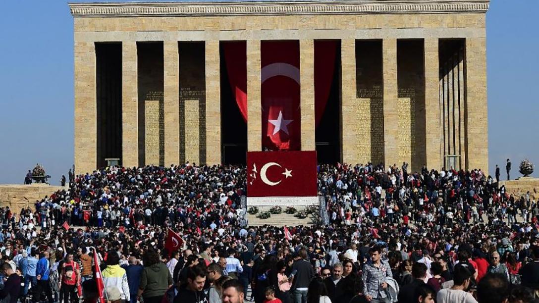 09:05! Bütün Türkiye saygı duruşunda