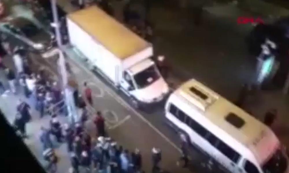 Bayrampaşa metrosunda tacizciye linç girişimi: Zırhlı polis aracıyla uzaklaştırıldı