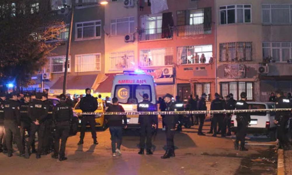 Beyoğlu'nda oğlu ile polise ateş eden baba vurularak yakalandı