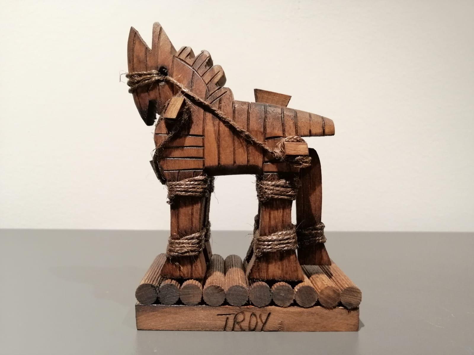 İspanya'dan mektupla 25 euro gönderip, tahta Troya atı istedi