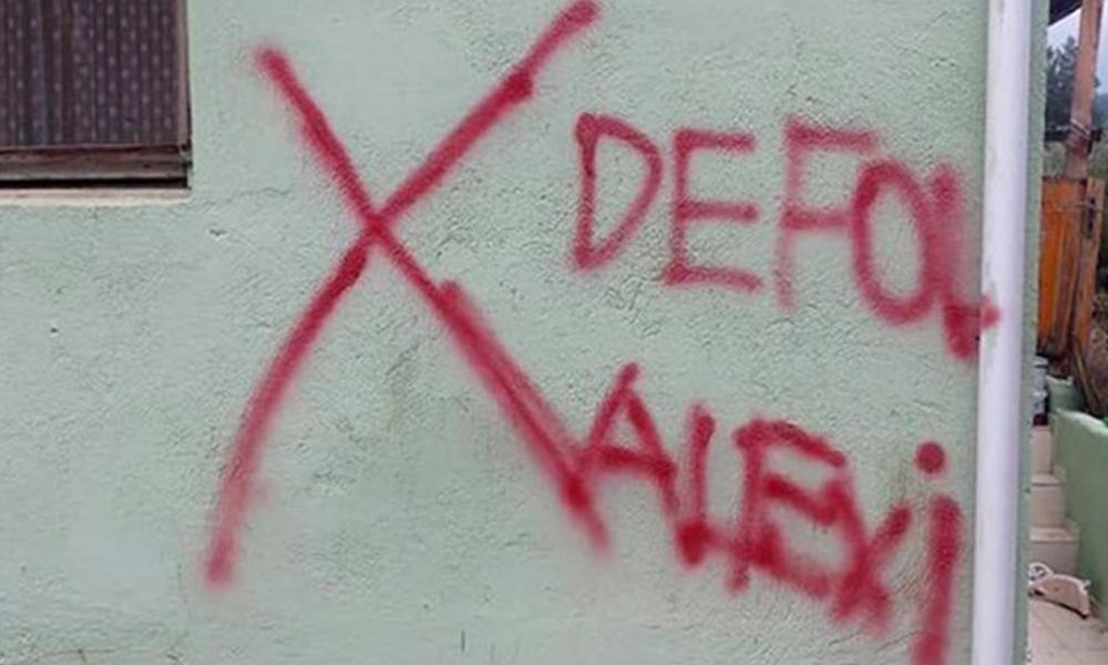 'Defol Alevi' yazısına validen skandal açıklama: Mezhepsel bir durum yok!