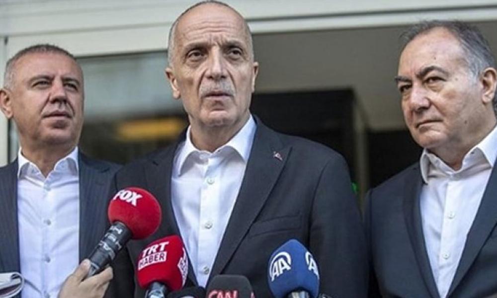 TÜRK-İş Başkanı Atalay: Mikrofon tutmaya korkuyorum