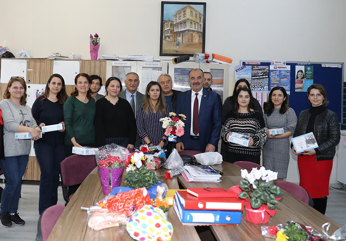 Hayri Türkyılmaz, Öğretmenleri unutmadı
