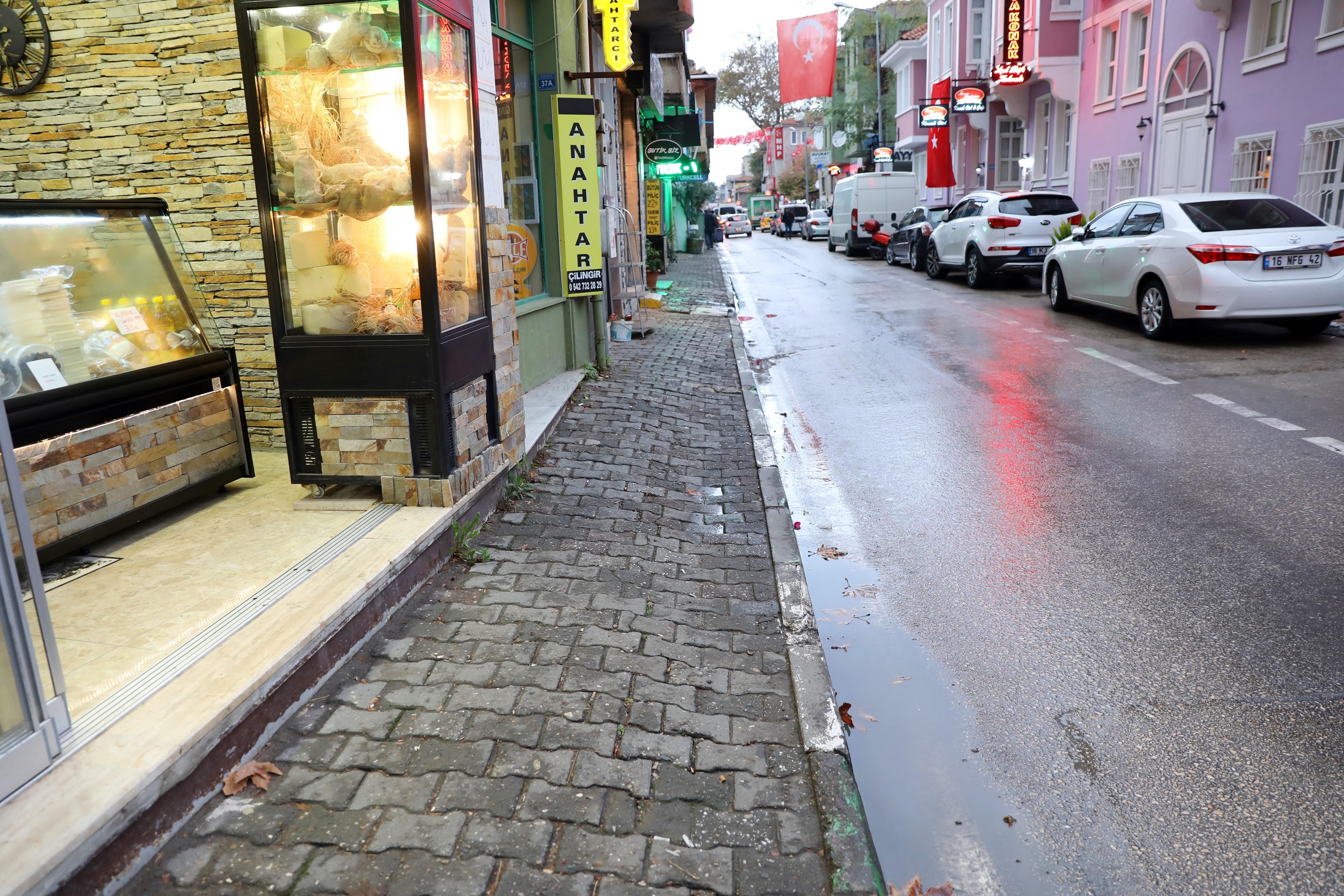 Hayri Türkyılmaz, Büyükşehir Belediyesi görevini yapmıyor