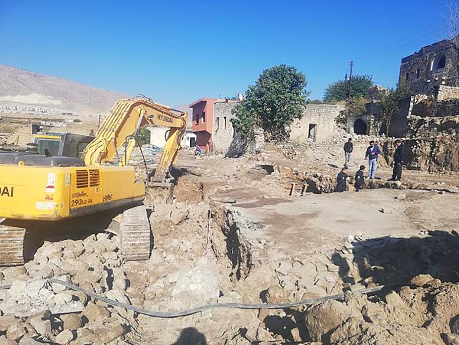 Vandallık! Anadolu tarihinin 400 yıllık mirasını buldozerle yıktılar