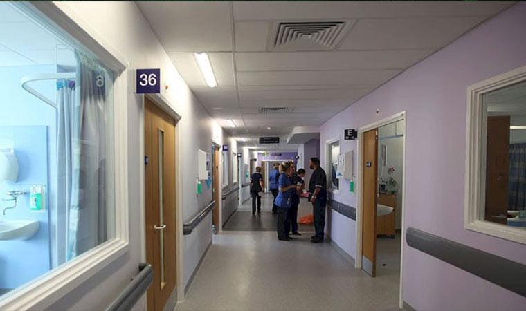 İngiltere'de sağlık skandalı! 42 bebek yanlış teşhis ve yetersiz bakımdan hayatını kaybetti