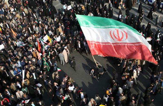 İran'dan İsrail'e: Hayfa ve Tel Aviv'i yerle bir ederiz