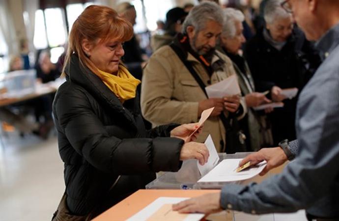 İspanya seçimlerinde aşırı sağcı parti oylarını ikiye katladı