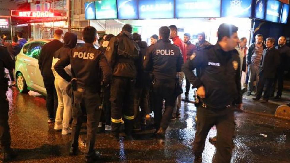 Çekmeköy'de trafik kazası sonrası silahlar çekildi!