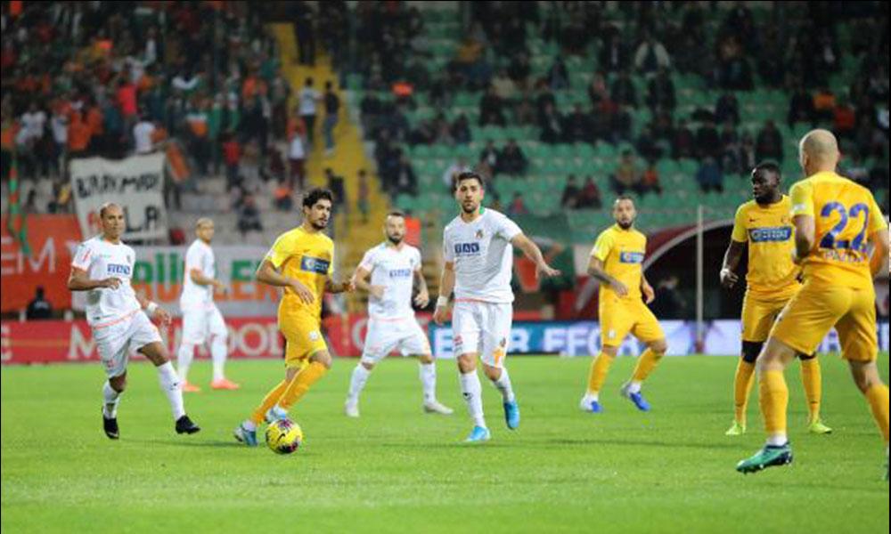 Aytemiz Alanyaspor, MKE Ankaragücü'ne fark attı.