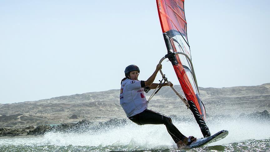 Milli rüzgar sörfçüsü Lena Erdil, rüzgar sörfünde üçüncü oldu