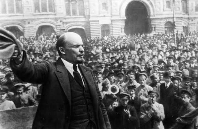 Dünya tarihini değiştiren Büyük Ekim Devrimi 102 yaşında…