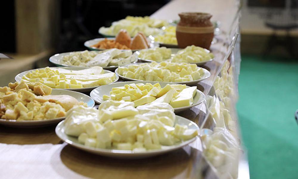 Kadın sütünden 3 çeşit peynir üretildi