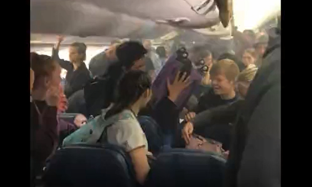 Kabini bir anda duman sardı: Uçakta panik anları…