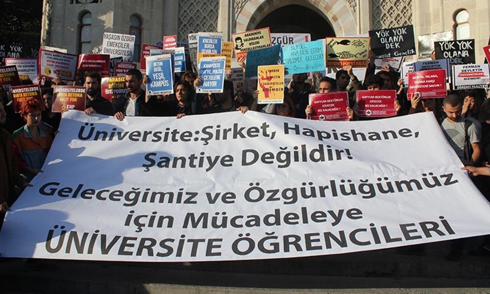 YÖK kuruluş yıl dönümünde protesto edildi