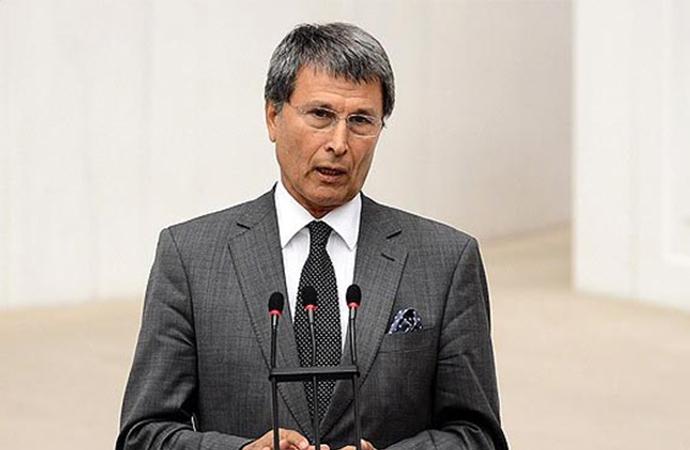 """İYİ Partili Halaçoğlu: """"Cumhurbaşkanını kim yanıltıyor?"""""""