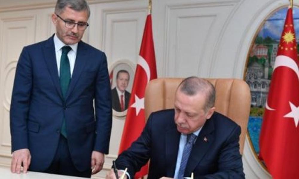 Yolsuzluk iddiaları sonrası AKP'li Hilmi Türkmen hakkında suç duyurusu