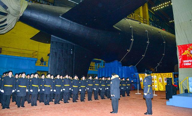Rusya, Yasen-M projesinin ilk seri nükleer denizaltısını denize indirdi