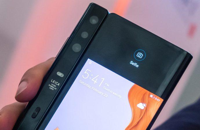 5G destekli Huawei Mate Xs özellikleri ile dikkat çekiyor