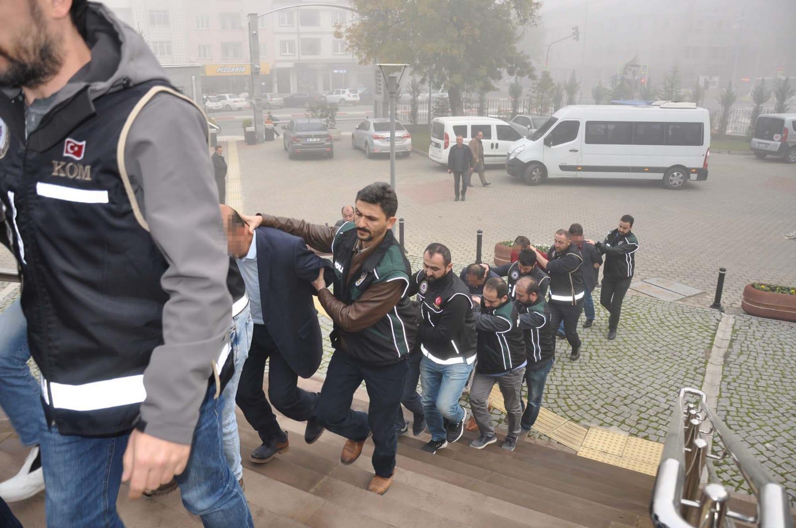 İnegöl Tapu Müdürlüğü'nde yolsuzluk iddiası: 10 sanık hakim karşısında