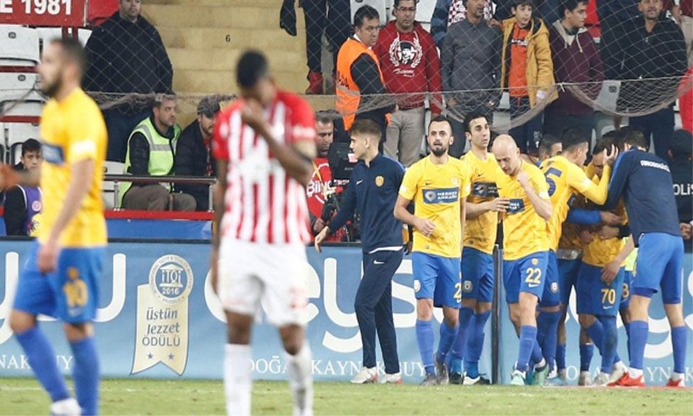 Antalyaspor uzatmalarda 3 puandan oldu