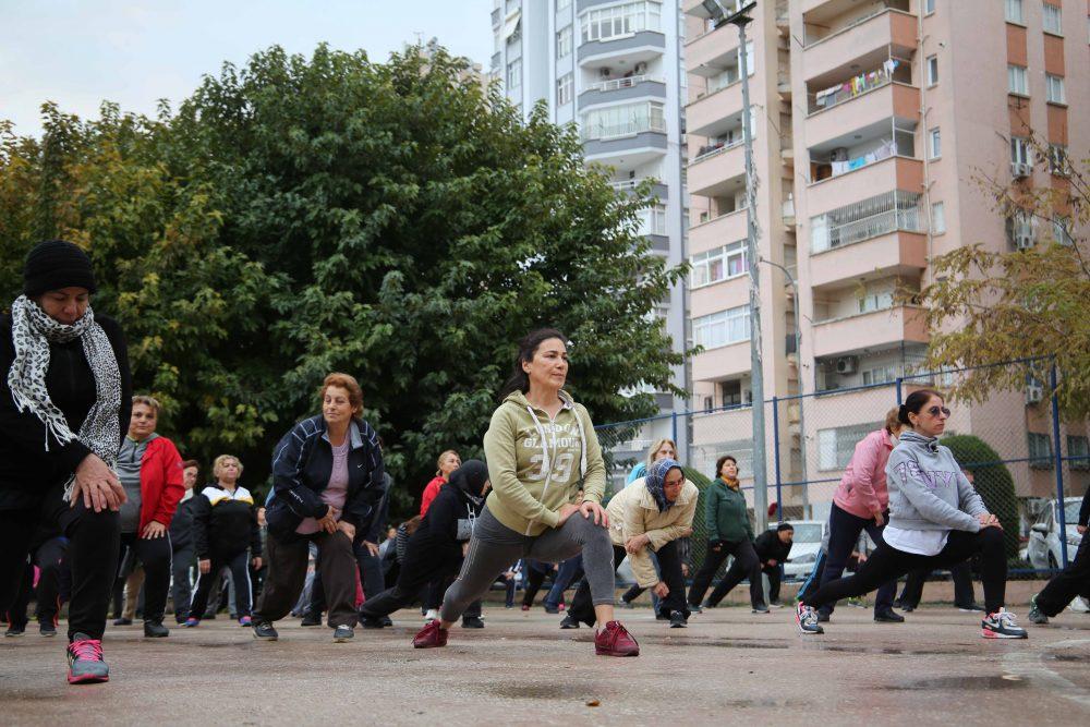 Adana Büyükşehir Belediyesi'ne ait spor salonlarında egzersiz ve kardiyo seansları ücretsiz