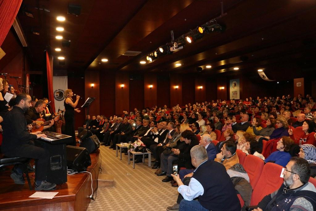 Kartal Belediyesi Türk Halk Müziği Korosu'ndan Yeni Yıl Konseri