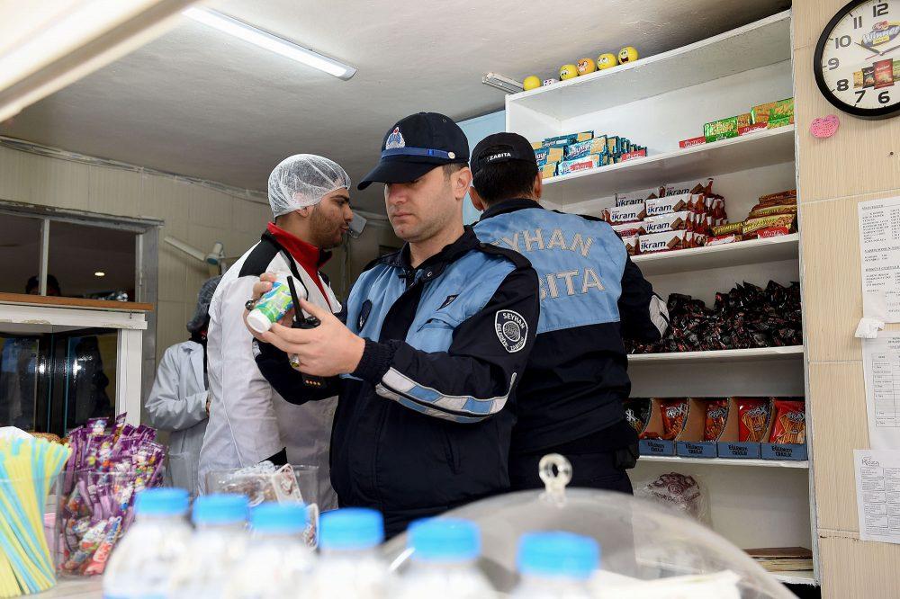 Seyhan'da kantin denetimleri sıklaştırıldı! Zabıta ve Gıda Mühendisleri 'çocuklar' için mesaide