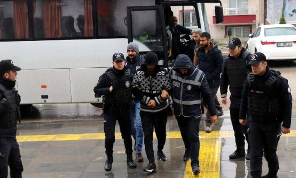 Ankara'da uyuşturucu operasyonunda gözaltına alınan 11 kişi adliyede
