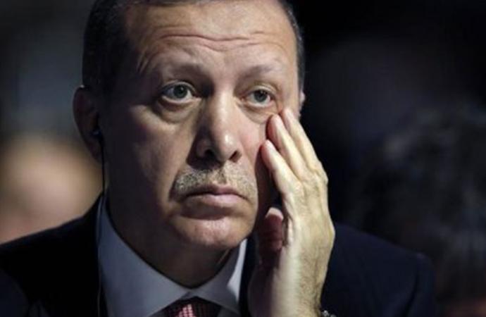 Erdoğan endişeli… Partideki erimeyi durdurmak istiyor!