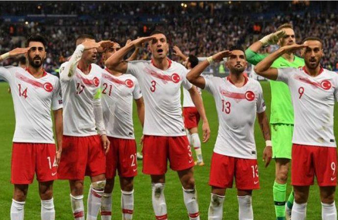 UEFA'dan TFF'ye 'asker selamı' cezası