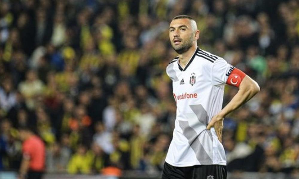 Burak Yılmaz'dan Beşiktaş'a kötü haber!