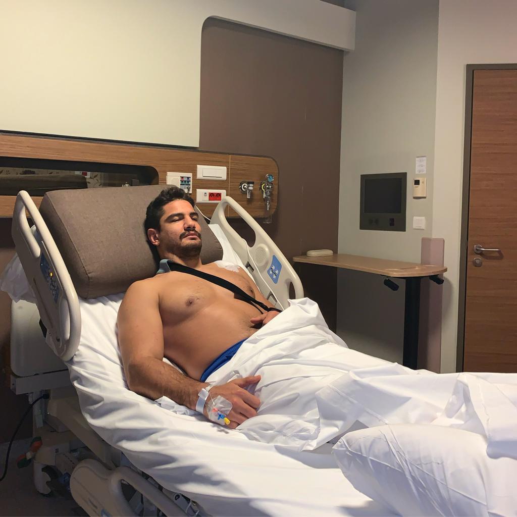 Milli güreşçi Taha Akgül ameliyat oldu