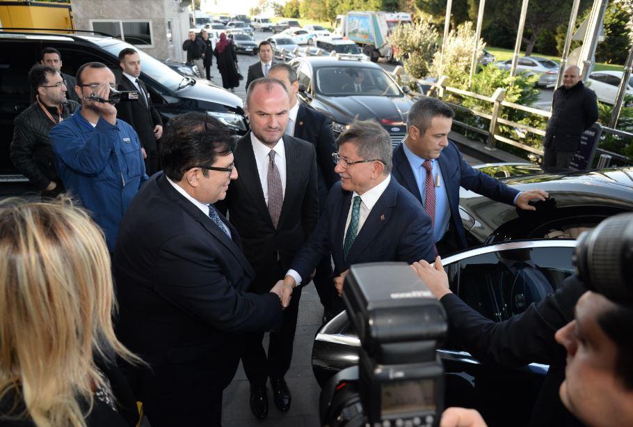 Yeni parti hazırlıklarında sona gelen Davutoğlu'nun ekibine iş dünyasından transfer