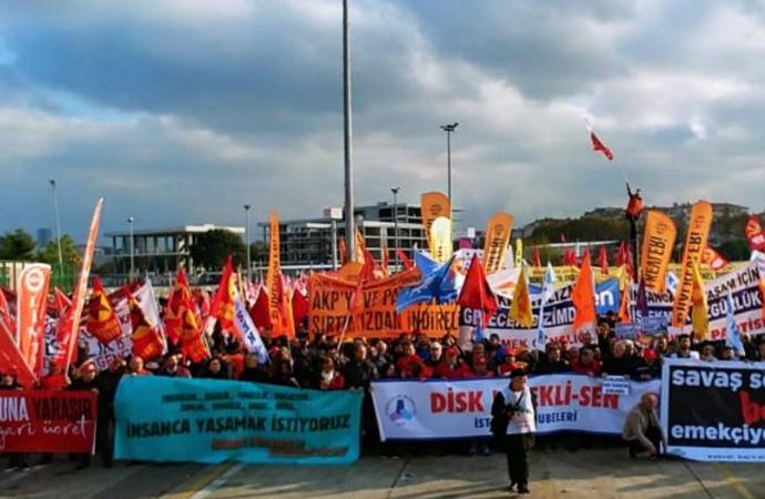 İstanbul'da binlerce yurttaş, emek ve demokrasi için meydanlara çıktı!
