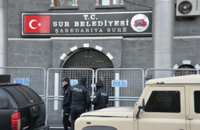 Gözaltına alınan HDP'li Sur Belediye Başkanı'nın yerine kayyum atandı