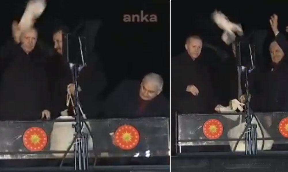 Erdoğan ve Yıldırım halka yine çay paketi attı