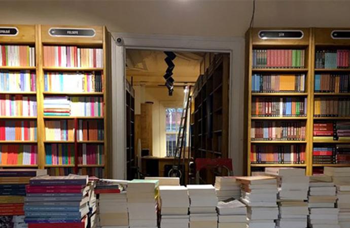 YAYKOOP Kadıköy Kitabevi açıldı: Yayıncılar, karanlık tünelden dayanışmayla çıkacak!