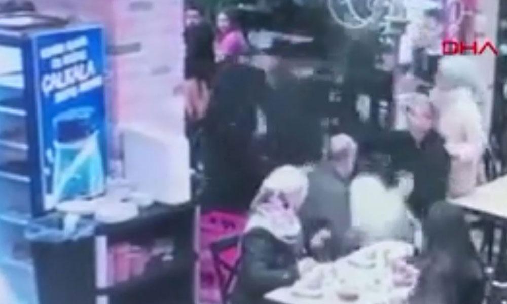 Restoranda bebeği yere düşüren garsona yumruklu saldırı…