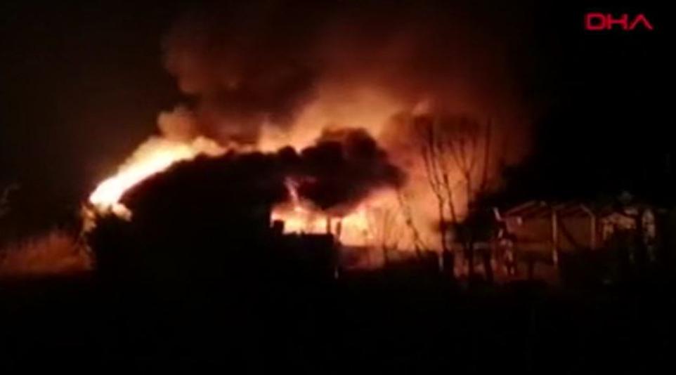 Son anda kurtardılar… Çiftlikte büyük yangın