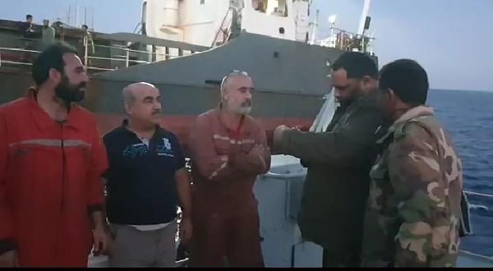 Libya'da Türk mürettebatlı gemi alıkonuldu