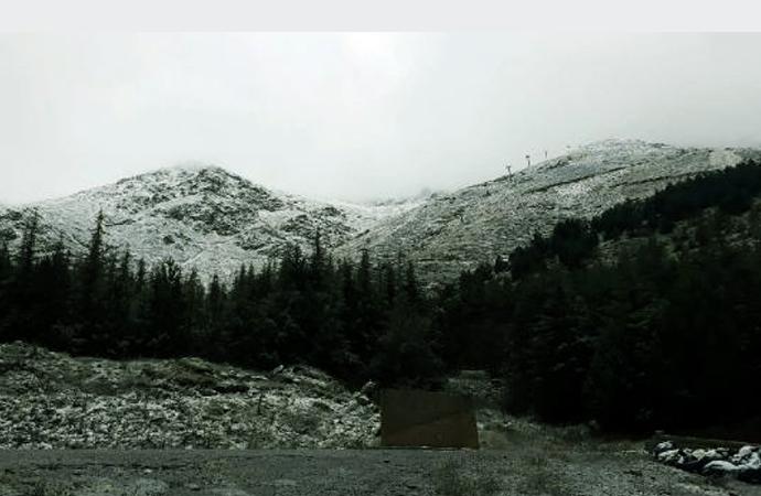 İzmir'e yılın ilk karı yağdı