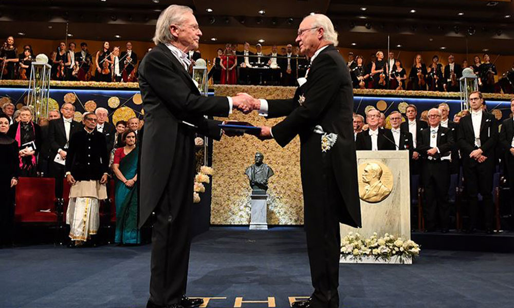 Peter Handke'ye bir tepki de İsveç'ten! Nobel ödülünü iade mi edecek?