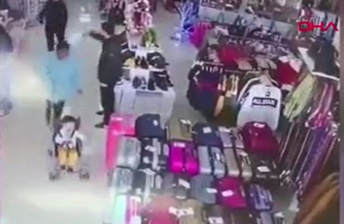 Bebeğin kaçırılmasını iş yeri sahibinin dikkati önledi