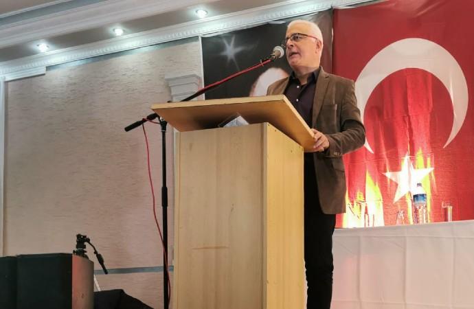 Merdan Yanardağ Köln'de konferans verdi: 'Cumhuriyete ihanet edilmiştir'