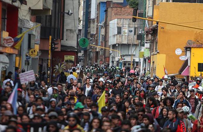 Kolombiya'da hükümet karşıtı protestolar büyüyor